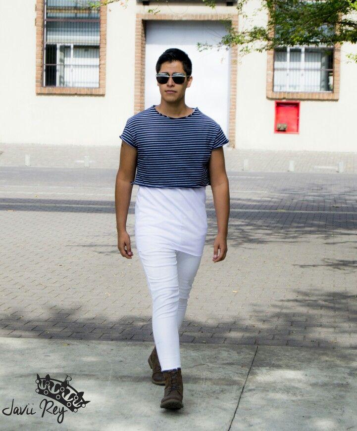 Un look arriesgado para el hombre de hoy.  #fashionista