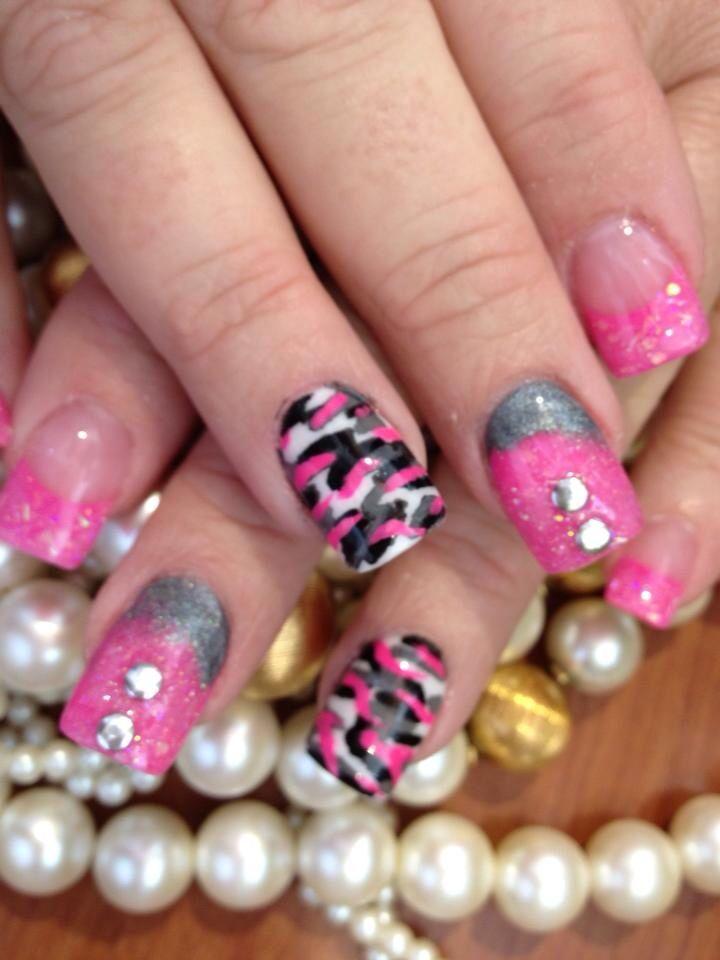 Best 25 camo nail art ideas on pinterest diy camo nails camo pretty in pink and camo nails nail art design prinsesfo Image collections