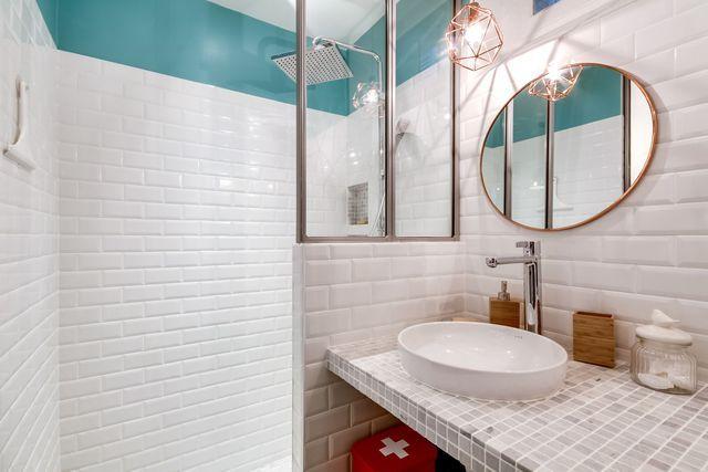 Une décoration fraîche dans la salle de bains