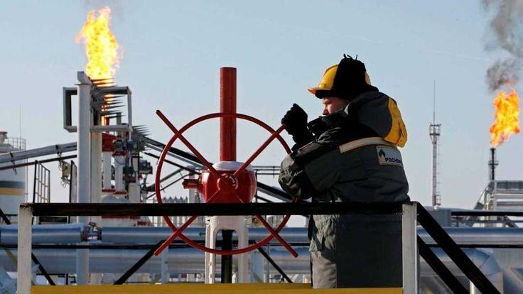 Precios del crudo alcanzan máximos desde fines de 2014 -  HOUSTON (Reuters) – Los precios del petróleo borraron el jueves parte de sus ganancias pero igualmente cerraron en máximos en tres años, en una sesión en la que el referencial Brent alcanzó los 70 dólares por barril ante señales de un menor suministro de crudo en Estados Unidos. * Los futu... - https://notiespartano.com/2018/01/12/precios-del-crudo-alcanzan-maximos-desde-fines-2014/