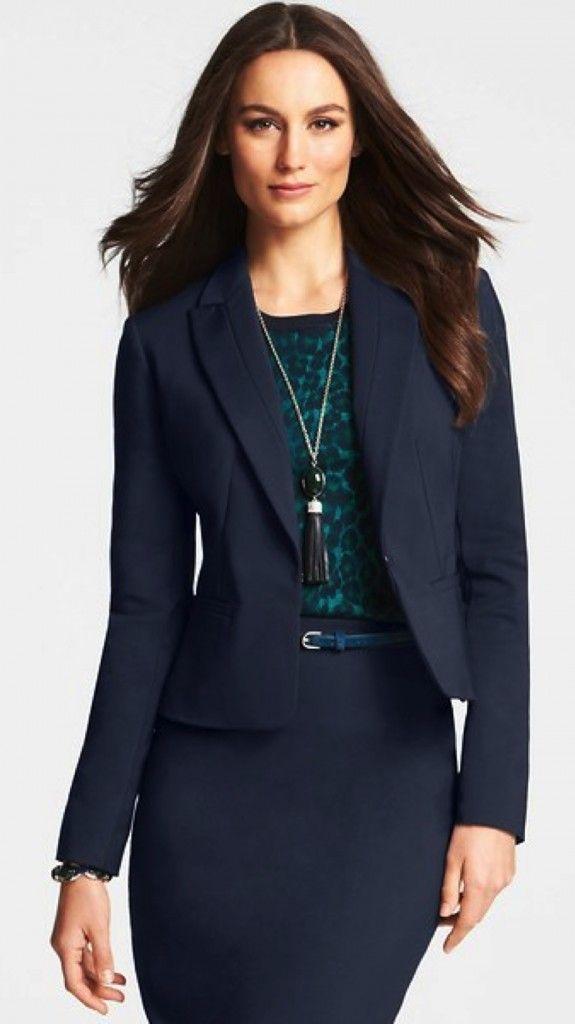 Moda para la oficina » Trajes azules para mujer 10