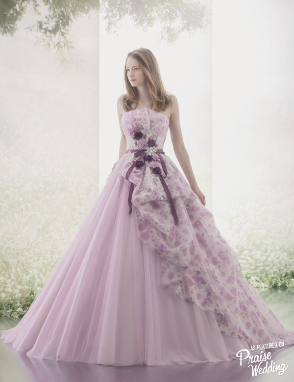 Obsession-worthy Hardy Amies London lavender gown featuring watercolor floral and dreamy silhouette!