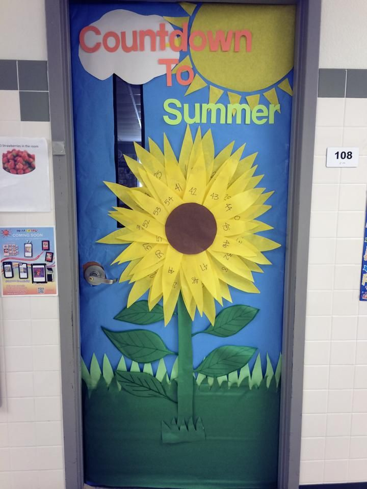 Countdown to Summer Classroom Door  #classroomdoor #doordecoration #summercountdown #sunflower