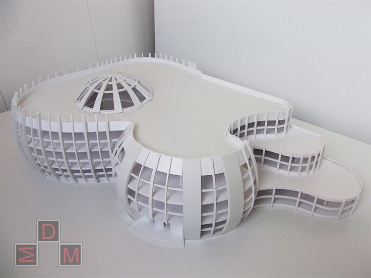 Макет проекта торгового центра выполнен в концептуальном стиле в масштабе 1 : 50. Макет был сделан с целью презентации проекта на защите курсовой работы.Макет четкий, лаконичный,монохромно-архитектурный,наглядно показывает общую стилистику спроектированного здания. #макет #архитектурныймакет  #миниатюра #макетнаямастерская #архитектура #макетыдлястудентов #architecturalmodel #miniature #architectura