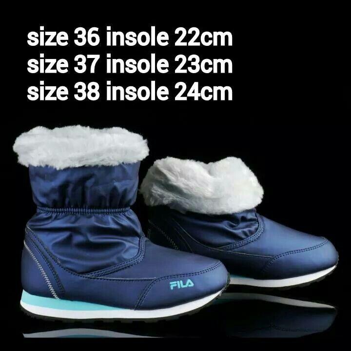 READY STOCK KIDS/WOMEN WINTER BOOTS KODE : ICING BLUE Size 36,37,38 PRICE : Rp.350.000 DETAIL SIZE (insole) : - Size 36 (22cm) - Size 37 (23cm) - Size 38 (24cm)  Material : Kulit sintetis lentur,Sol karet lentur, Dalam bulu2. Ringan dan nyaman utk anak-anak maupun dewasa :)   Insole = panjang sol dalam. Ukurlah panjang telapak kaki anak, beri jarak minimal 1,5cm dari insole, utk dewasa cukup 0,5-1cm :)   FOR ORDER : SMS/Whatsapp 087777111986 PIN BB 766A6420 Facebook : Mayorishop…