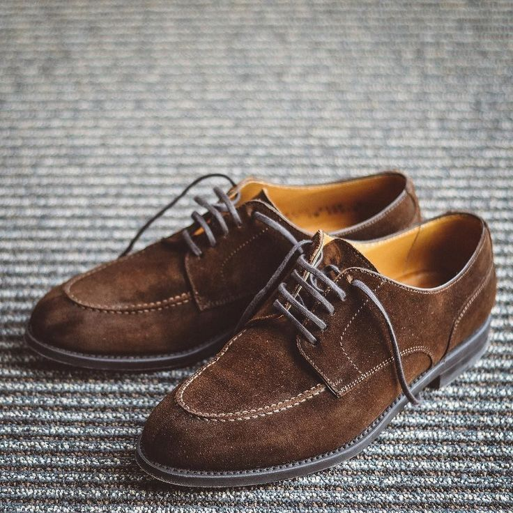 The @berwick1707_official split toes via @leatherhealer breaking in nicely. . . . #berwick1707 #dailylast #goodyearwelt #rakish #rakishgent #classicmenswear #stylishmen #menstailoring #stylishgent #madetobeworn #styleforum #mensshoes #mnswr #shoeshine #shineyourshoes #shoegazing #ptoman #shoegazingblog #shoesoftheday #shoestagram #mensweardaily #menswearblog #shoecare #sprezzatura #sartorial