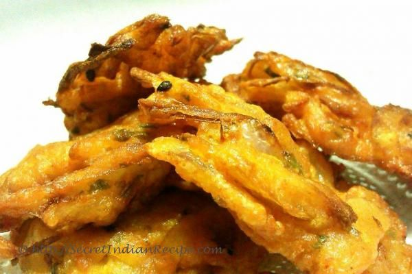 How to make Pyaz Pakora/ Kanda Bhaji ( Onion fritters) - Recipes from India, home cooking, indianfood, Indian cuisine, food recipes