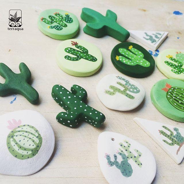 Kaktüs desenli broş, magnet, kolyelerimiz hazır  @murmurationdesignsales etkinliğinde yarın görüşmek üzere  #terraquadesign #cactus #handmade #elyapımı #ceramic #seramik #tagsforlikes #instacool #cactilove #necklace #broş #boutonniere #magnet #aksesuar #beautiful #greenlove #nature #plantshop #accesories #cactusmagazine #istanbul