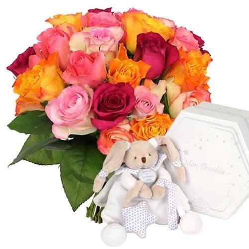 FLORAJET : Découvrez les collections «spécial naissance», des bouquets de fleurs et de plantes fraîches ainsi que de cadeaux «nature» à commander en ligne, pour fêter l'arrivée de bébé. L'année dernière, la cigogne a bien travaillé : elle a livré plus de 2 000 nouveaux nés chaque jour en France Métropolitaine. Avec 2,01 enfants par femme, le taux de fécondité est parmi les plus hauts d'Europe, après l'Irlande. Et qui dit naissance, dit cadeau.