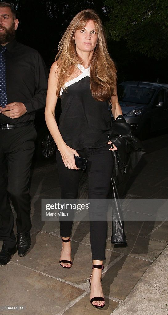 jemima-khan-attending-a-party-in-camden-on-june-6-2016-in-london-picture-id538444814 (546×1024)