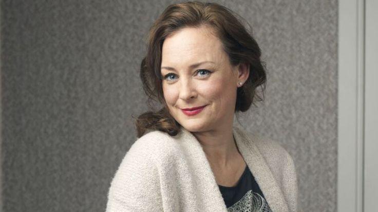 Eind januari stond ze in VROUW magazine: Daphne Meijer. Ze verruilde haar luxe leven in Australië voor een nieuw bestaan in Nederland, weg van de man die haar mishandelde. En over alles wat ze meemaakte schreef ze het boek Verliefd, verloofd, getrouwd, gevlucht dat vandaag verschijnt.