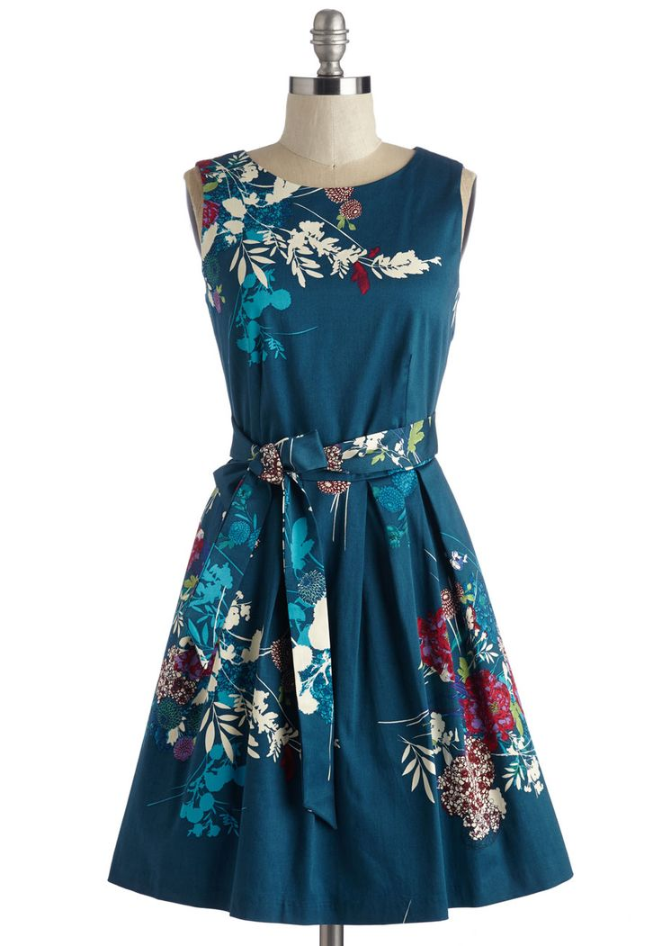 Cast and Crudités Dress. Celebrate the successful run of your production with fresh snacks and fun company in this cottony frock from Closet! #blue #modcloth