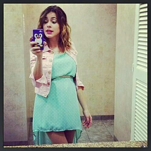 En tournage avec Violetta 2 en robe bleu