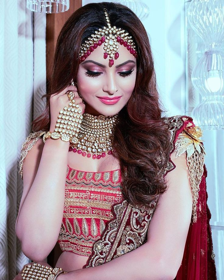 Bun Hairstyle With Lehenga: Pin By Sandip Biswas On Abd In 2020