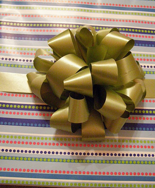 how to make a bow for presents out of string