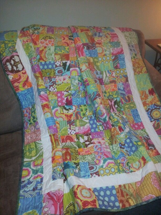 Demi's 21st quilt .. I made this quilt using Amy Butler's Soul Blossom fabrics.