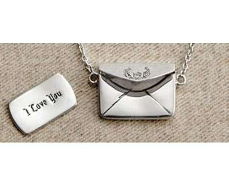 18 Seriously Sentimental Lockets - Personalized Jewelry Exemplifies Romantic Christmas Gifts