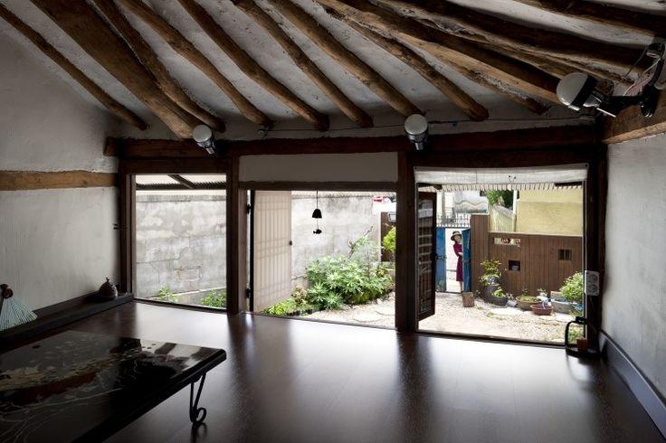 Lucia's Earth House | OpenBuildings