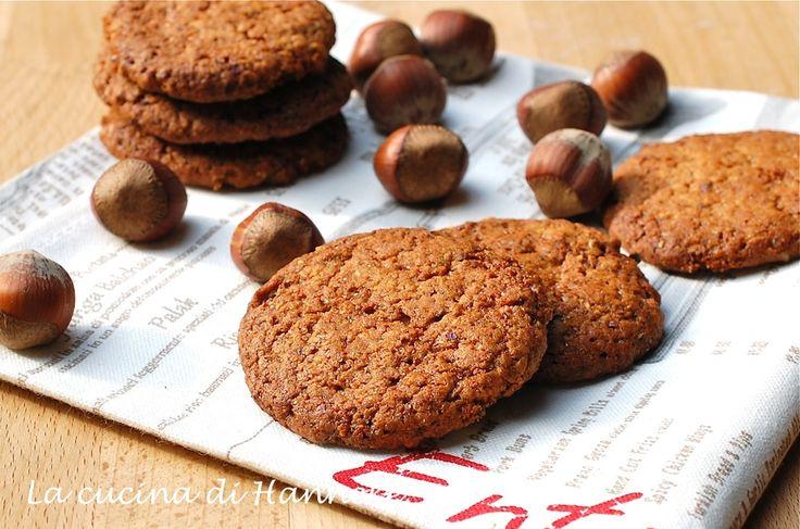 Gustosissimi biscotti alle nocciole, ottimi con una tazza di tè o caffè e pronti in meno di mezz'ora!
