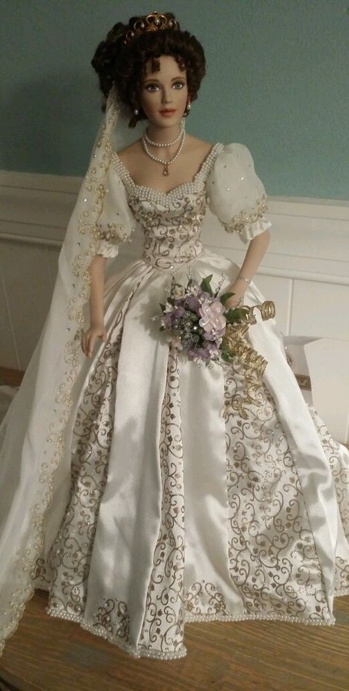 "remake clothing/accents into Irish standing angel for Christmas 19"" Add wings--etc. For display in foyer/LR?? Franklin Mint Natalia Porcelain Doll - The Spring Bride B11A221"