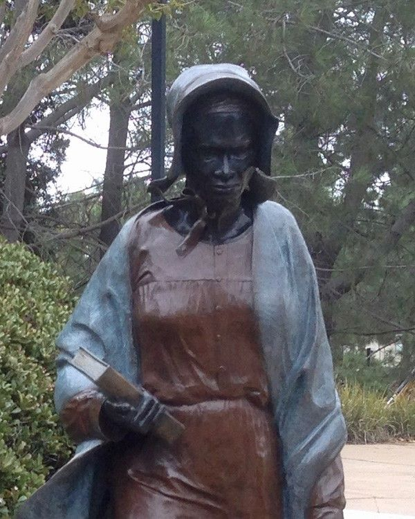 sojourner truths life as an african american abolitionist and womens rights activist Sojourner truth (1797-1883) an abolitionist and women's rights activist, truth was born into slavery and escaped with her infant daughter to freedom in 1826.