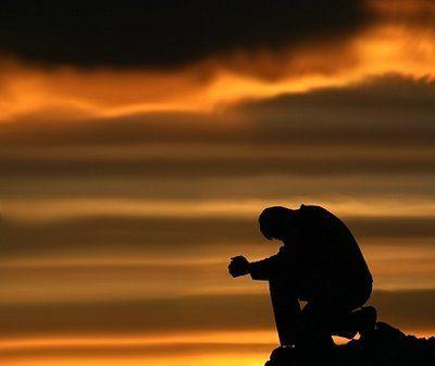 La vita non è sogno. Vero l'uomo / e il suo pianto geloso del silenzio. / Dio del silenzio, apri la solitudine. - Salvatore Quasimodo
