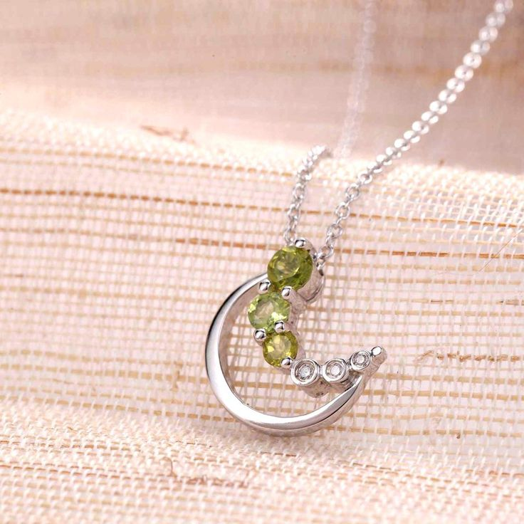 UneJoux Sterling Silver Adira Pendant Necklace With Peridot - UneJoux