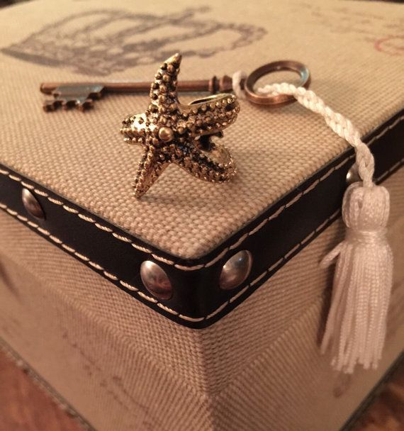 Antique Gold Texture Starfish Ring