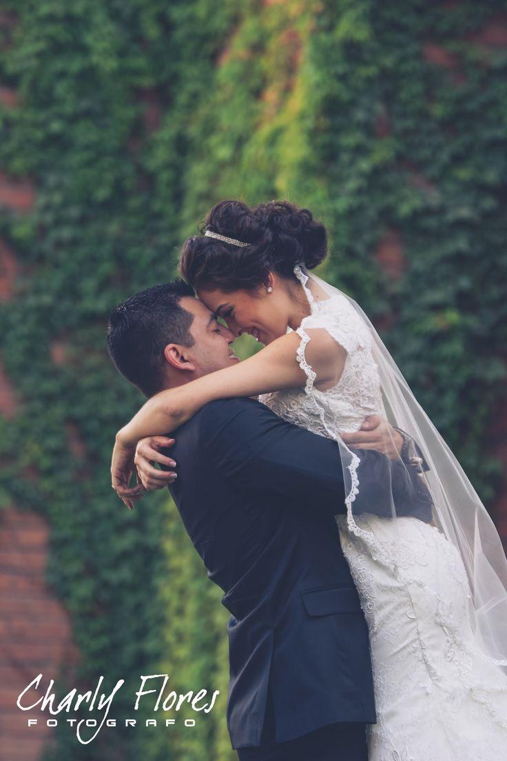 Sesión de fotos #boda #novios #fotos  By Charly Flores Facebook: https://www.facebook.com/charlyface