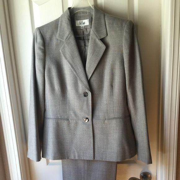 Suit Beautiful Le Suit Business Suit. Grey Blazer And