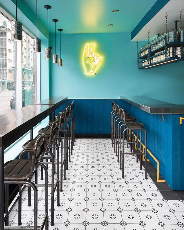 Super Quality Indian Snack Bar > http://onmo.co/SuperQuality > this small and vibrant Indian restaurant designed by @doubledeezy features an Indian train colour palette. #tiffin #Indian #restaurant #Montreal #daviddworkind @lesuperqualite
