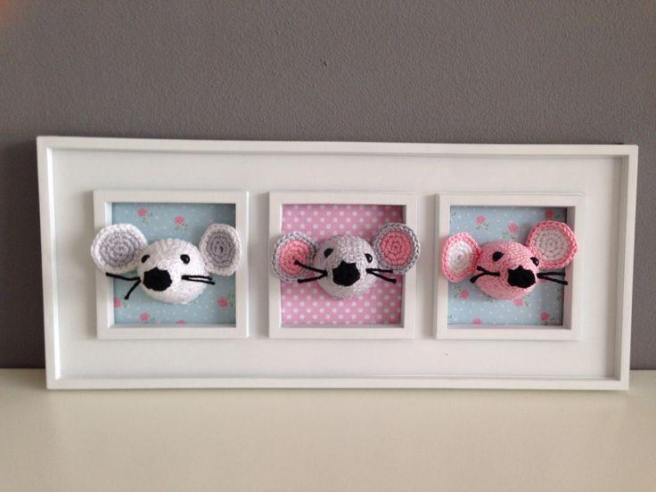 Schilderijtje met gehaakt muisjes hoe schattig ! # crochet baby mouse