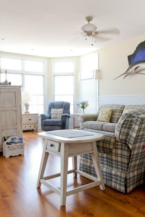 Waterfront Cottage: Charming Home Tour - Town & Country Living
