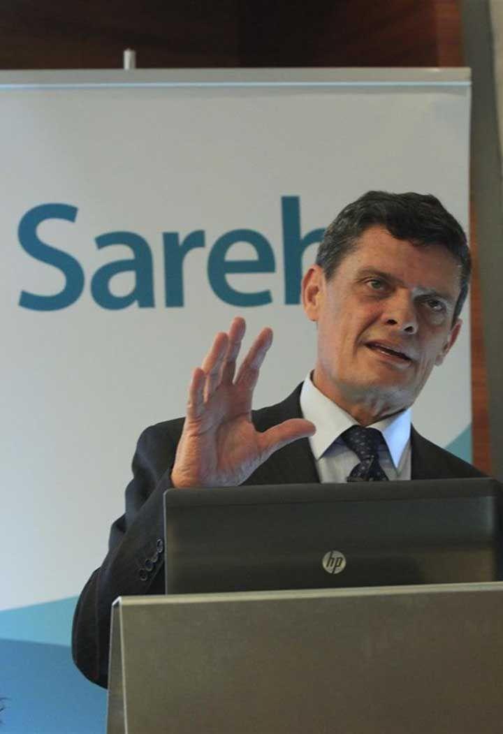 """La Sareb se libera de 41.000 inmuebles en cuatro años desenladrillando el sistema español  La Sociedad de Activos procedentes de la Reestructuración Bancaria (Sareb), el """"banco malo"""" creado para """"desenladrillar"""" el sistema bancario de inmuebles adjudicados por impagos y de créditos fallidos a promotores, ha cumplido cuatro años desde su creación y este diciembre también hará 4 años desde que recibiera los primeros traspasos por parte de entidades. En este tiempo, ya se ha desprendido de..."""