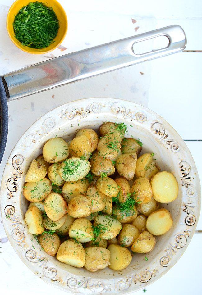 Najlepsze młode ziemniaki z patelni - MniamMniam.pl