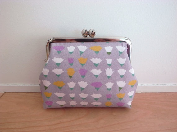 purse which uses an original textile Petit by noscootertextile, ¥3000  Approximately $32.45 USD