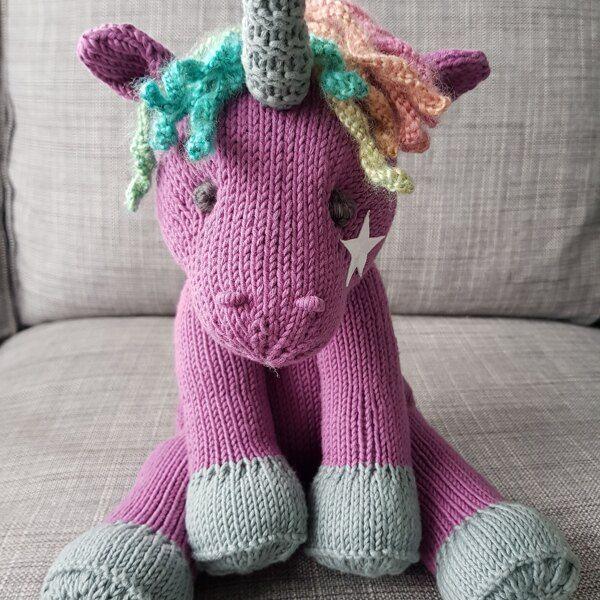 Little Unicorn Knitting pattern by Rainebo | Unicorn ...