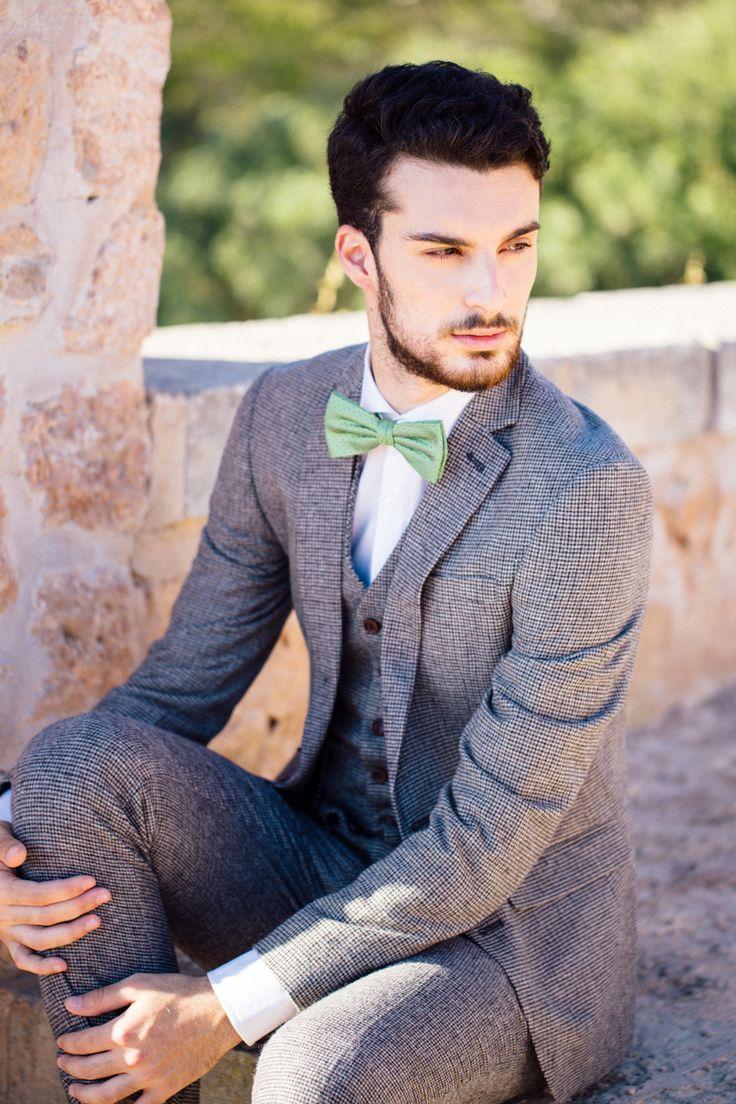 Anzug von ASOS mit grüner Fliege #Bräutigam #Hochzeit #Groom