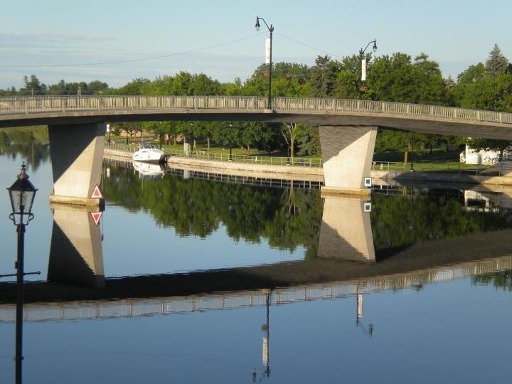 Campbellford town bridge