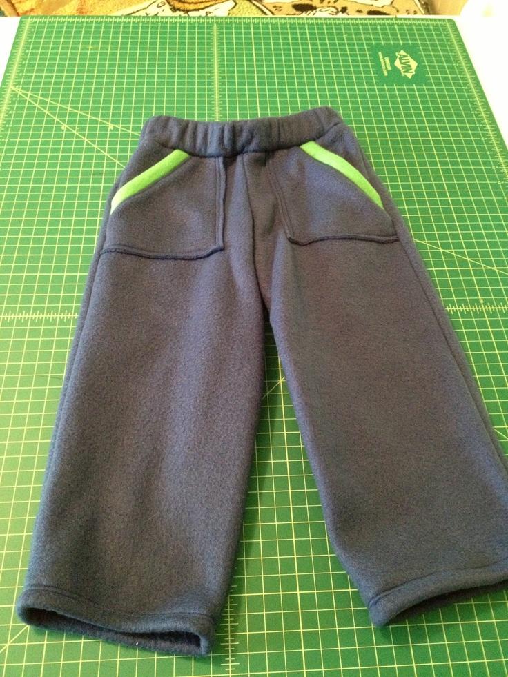 Fleece outside pocket pants size 3T    Fish sticks pattern