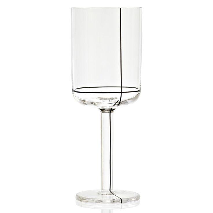 Colour vinglass fra Hay, designet avScholten & Baijings. Colour er en serie glassprodukter...