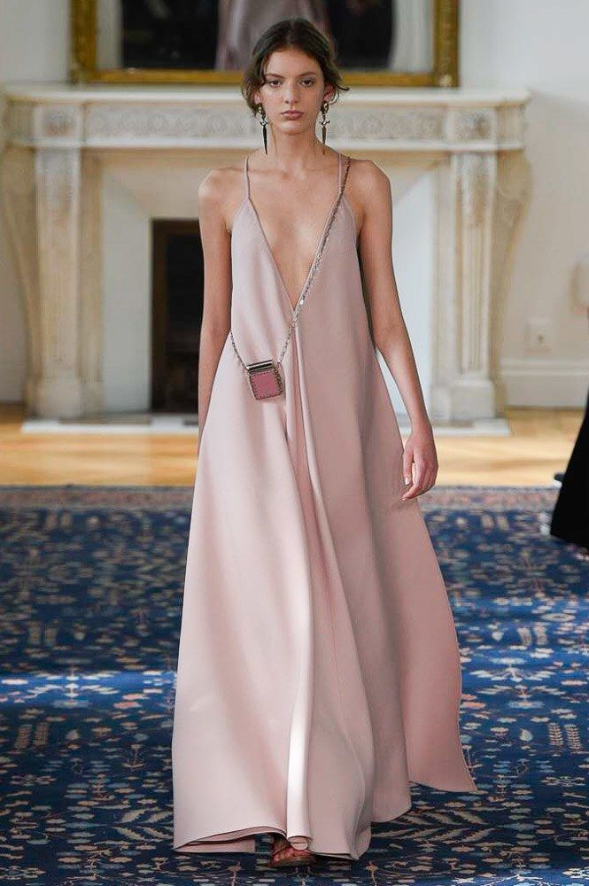 Valentino Spring 2017 Ready-to-Wear Collection Photos - Vogue                                                                                                                                                                                 More