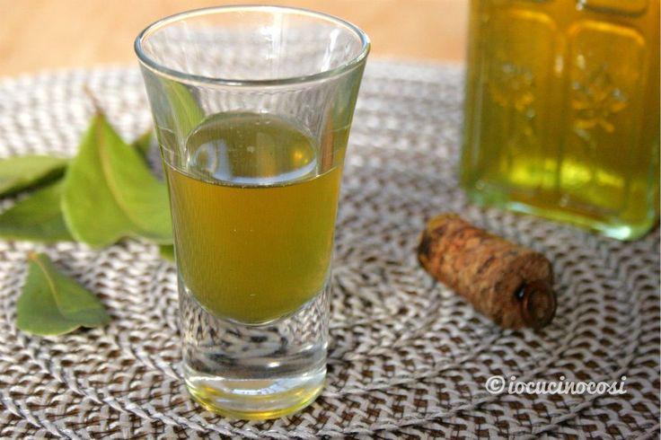 Liquore alloro digestivo