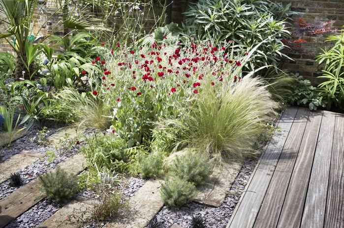 Modern concrete substitute, railroad ties! The Landscape Architect - Garden Design, London,UK 07875 203901