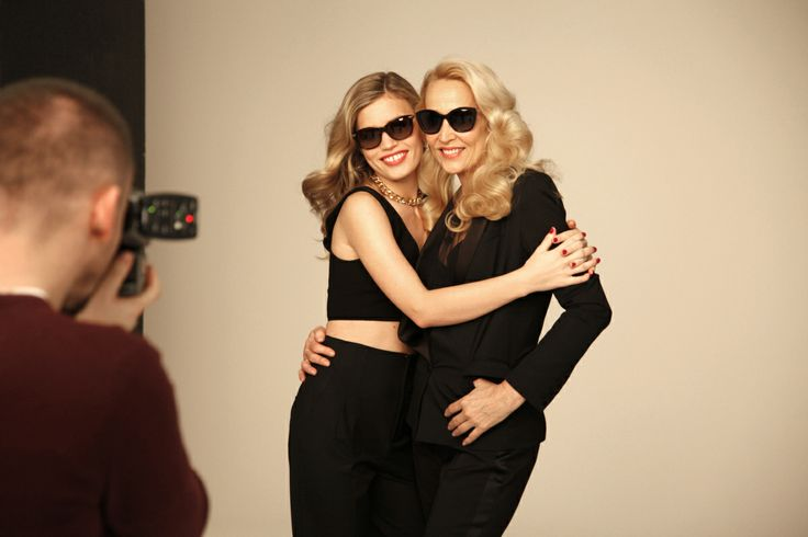LOVE THESE SHOTS! Georgie May Jagger & Jerry Hall WOW MOM Sunglass Hut Campaign