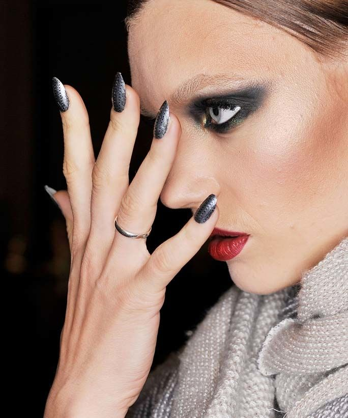 Minimalist manicures may be in, but ultra-long stiletto nails are still going strong. Get all the details on how to maintain this manicure here.