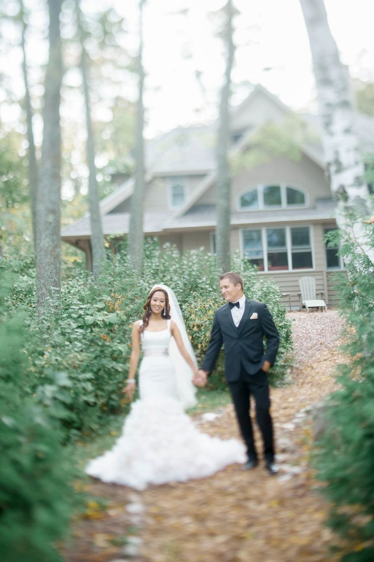 Photography: Emily Steffen Photography - emilysteffen.com | Intimate Autumn Wedding With Rustic Details #autumnwedding #intimatewedding