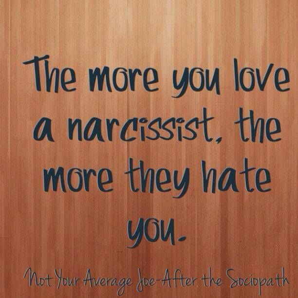 how to make narcissist want you