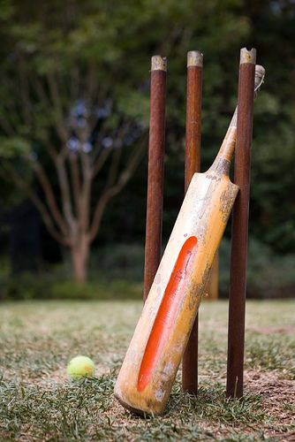 Backyard cricket is a must have for any Australia Day! #cricket #backyard #AustraliaDay