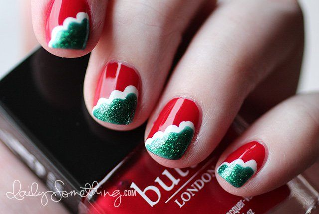 Perfect Holiday Nail Art With Reds, Greens And Whites!